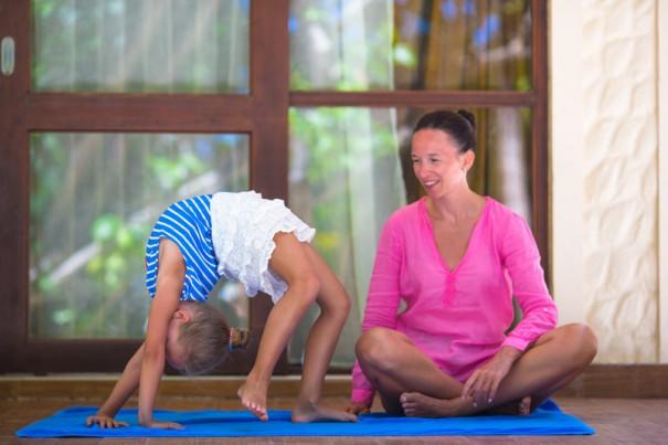 yoga-educacion-605x403